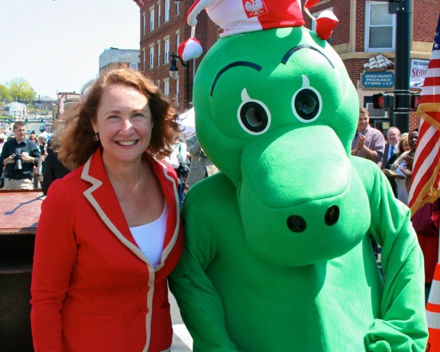 Cong. Elizabeth Esty and the Dragon mascot at Little Poland Day.