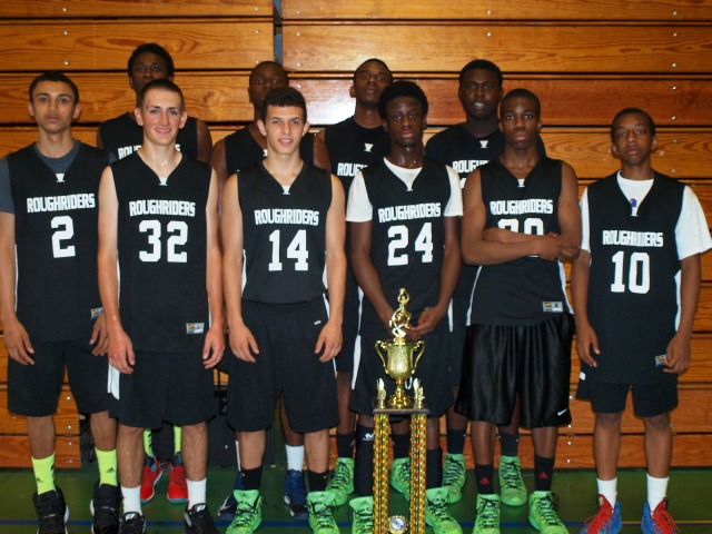 CT Roughriders coaches by Ward 3 Ald. Manny Sanchez will compete in the AAU Nationals this month.